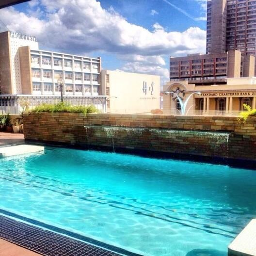 bdg_ph_pioneer_house_pool.jpg