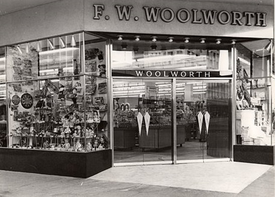 bdg_fwwo_fw_woolworth_entrance.jpg