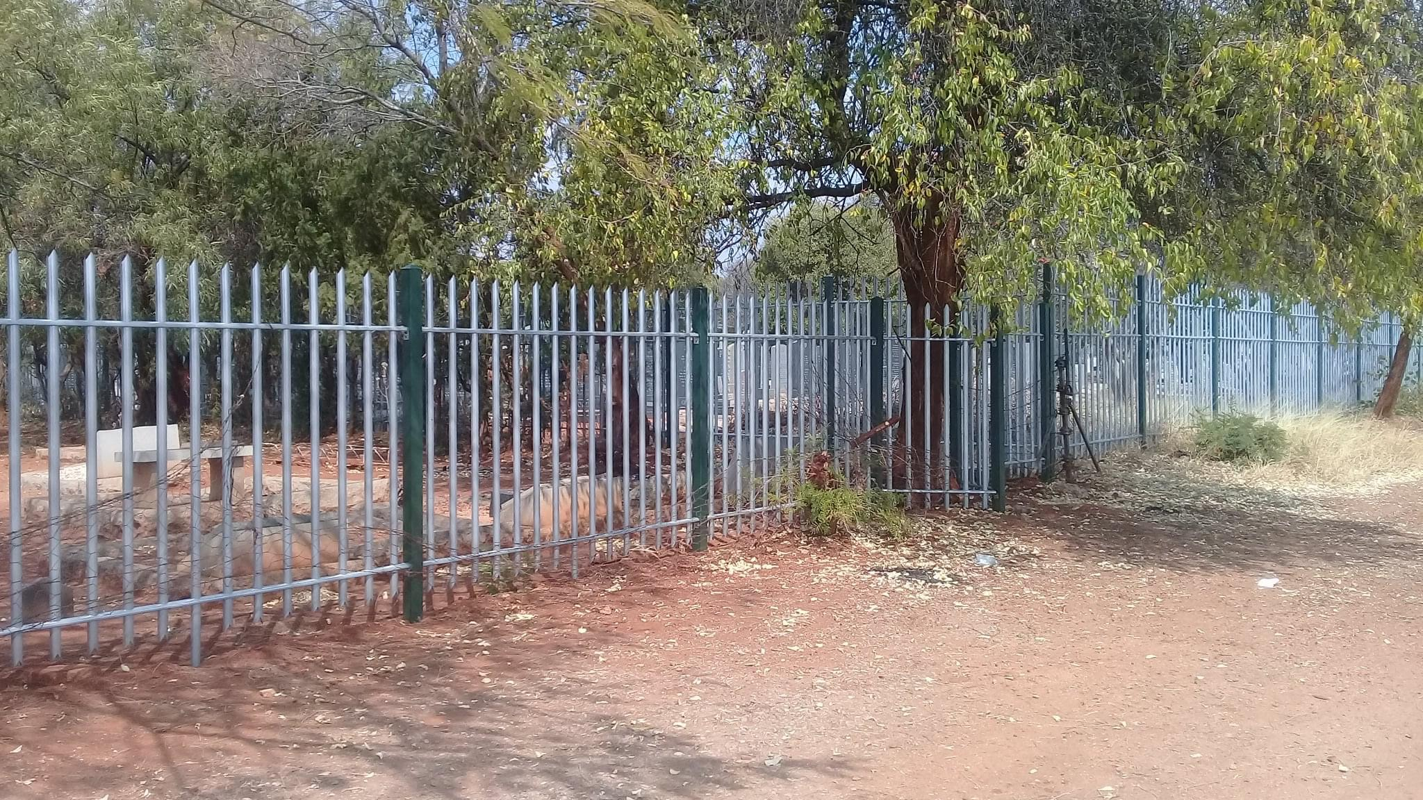 cemetery_byo_fencing_section_01