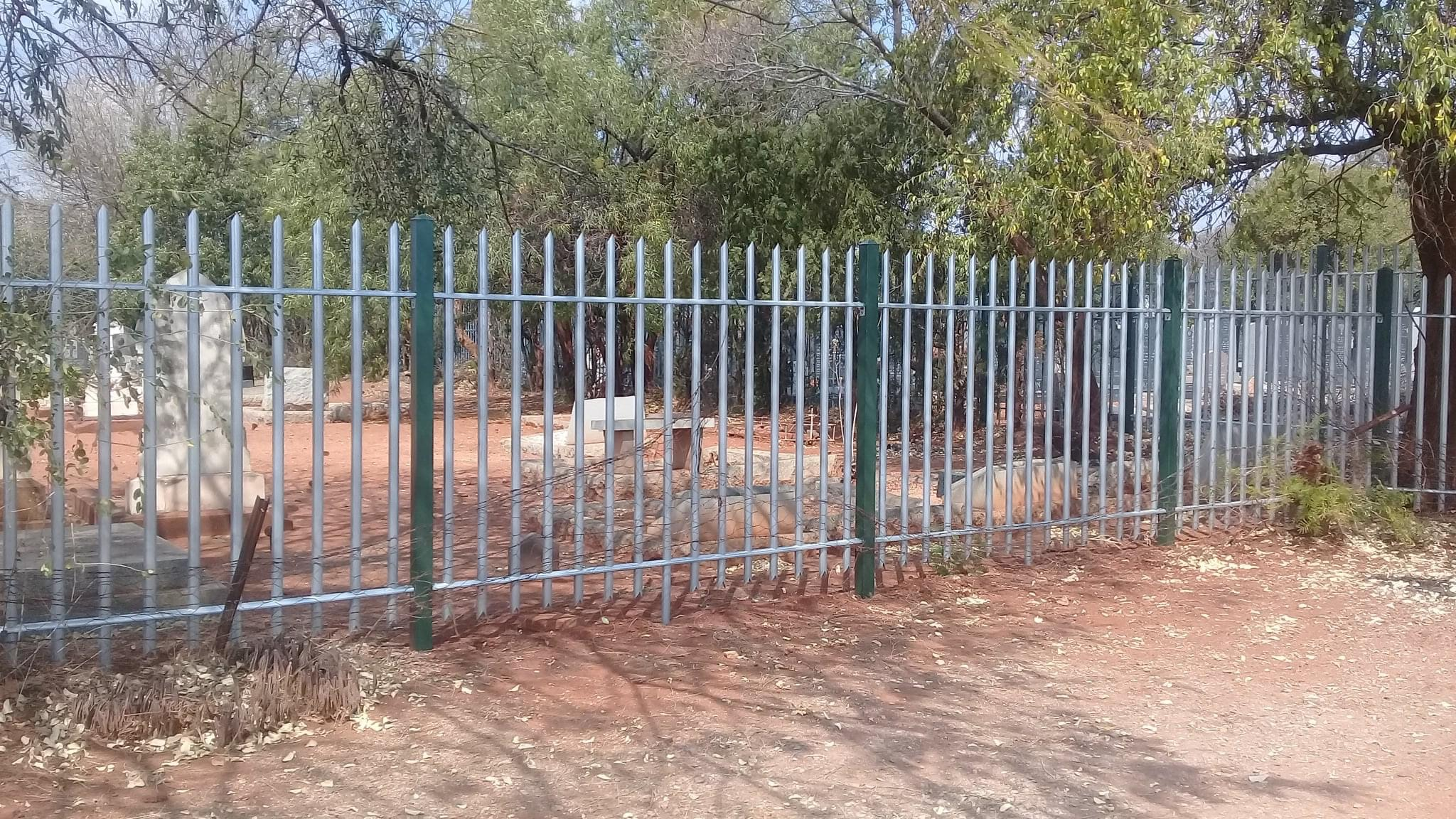 cemetery_byo_fencing_section_02