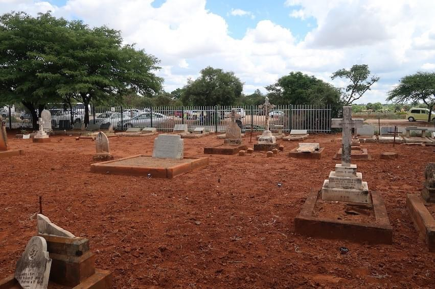 cemetery_byo_fencing_section_06