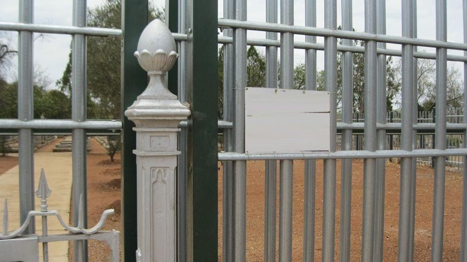 cemetery_byo_fencing_section_gate