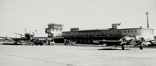 z_at_air_old_verandahs_runway.JPG