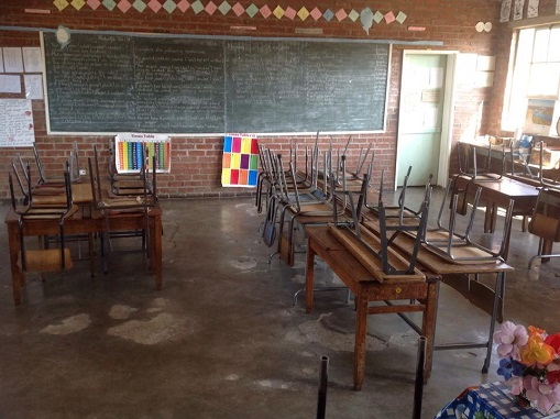 sch_jun_green_classroom_chairs.jpg