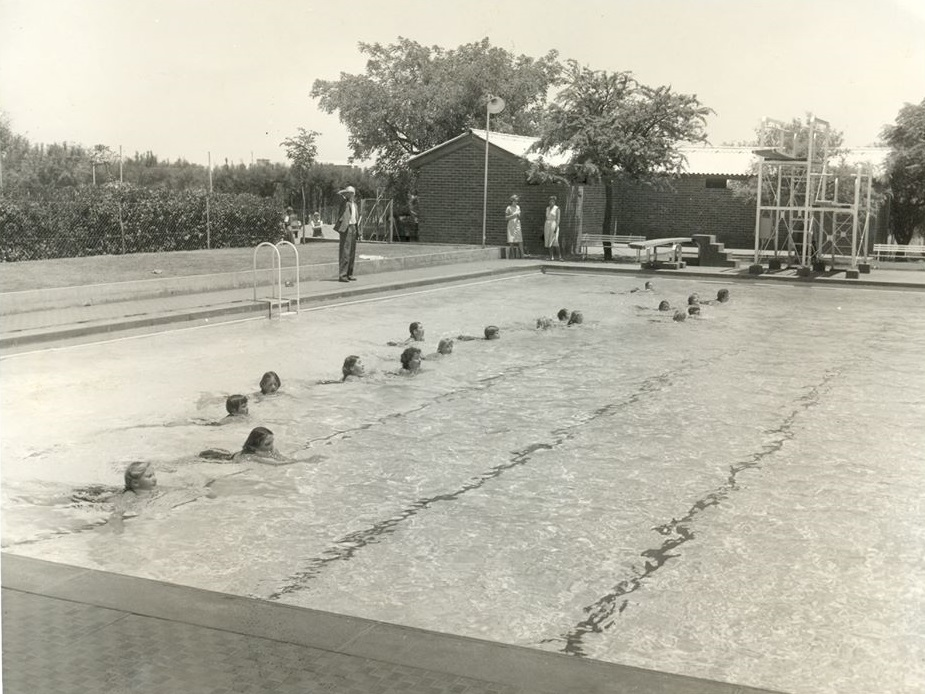sch_jun_hill_pool_60s